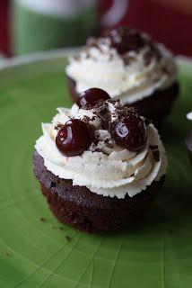 Spatules et Crochets: Les Cupcakes Forêt-noire