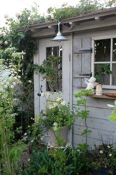 Cinder Block Garden, Succulents Garden, Garden Furniture, Garden Landscaping, Garden Design, Pergola, Outdoor Structures, Landscape, Plants