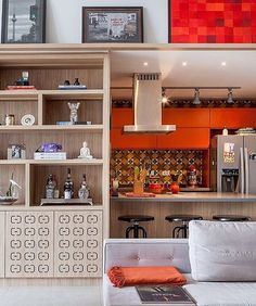 WEBSTA @ inspirandoepirando - Cor pra aquecer a fome e o tempo pra lá de chuvoso, aqui em Recife! Quem também ama cozinha vibrante? 😍😍😍😍😍 Boa tarde, gente!! ✨✨✨✨ Foto do IG @melinaromanointeriores. #inspirandoepirando #decor #decoration #decorating #design #designer #interiordesign #instadesign #home #instadecor #instagood #instahome #architecture #architecturelovers #love #homedecor #homesweethome #house #amazing #luxury #photooftheday #follow #archidaily  #interior #inspiration…