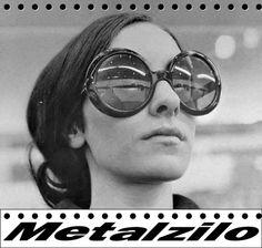 Lost in the Fashion Trend: Big Round Sunglasses 60s Fashion Trends, Sixties Fashion, Mod Fashion, Vintage Fashion, 1969 Fashion, Vintage Beauty, Fashion Styles, Fashion Dresses, 1960s Sunglasses