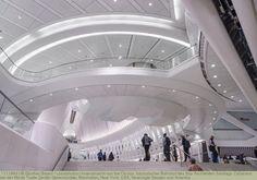 Innenansicht von the Oculus, futuristischer Bahnhof des Star Architekten Santiago Calatrava bei der World Trade Center Gedenkstätte, Manhattan, New York, USA, Vereinigte Staaten von Amerika