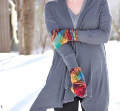 http://www.gina-michele.com/2015/01/beginner-thumb-mittens-knitting-pattern.html