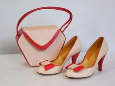 Vintage Shoes Vintage Kirby's California Fashions Red and White Heel Pump Shoes Size 6 with Matching Box Purse - Vintage Fur, Vintage Mode, Vintage Purses, Vintage Bags, Vintage Handbags, Vintage Shoes, Retro Vintage, Vintage Colors, Vintage Style