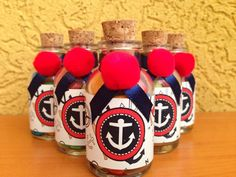 Lindas botellas de agua bendita personalizadas