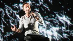 """""""Heroes"""" tar sig in på plats elva på den brittiska singellistan. Topplistan räknas som Europas mest prestigefyllda – men just Eurovisionlåtar har historiskt sett haft tufft att ta sig in på rankingen."""