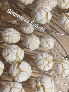 Kókuszos, citromos pöfeteg keksz, ez tényleg bámulatos lett! - Egyszerű Gyors Receptek Garlic, Dairy, Cheese, Vegetables, Food, Christmas, Essen, Vegetable Recipes, Meals