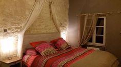Une des chambres d'hôtes à vendre à Crouzilles en Indre et loire