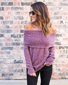 We are loving the luxe on or off the shoulder Cosmo Off The Shoulder Sweater. This cozy long sleeved off the shoulder tunic style knit can be worn long with leggings or scrunched up and paired with de