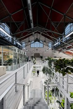 architects Renovates an Old Veal Market into a Real Estate Office - Design Milk Open Space Office, Loft Office, Hall Interior, Interior Design, Real Estate Office, Cool Cafe, Real Estate Development, Cool Apartments, Real Estate Services