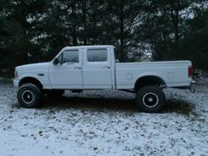 1997 F350 Crew Cab Short Bed with a 5.8l and an E4OD. Homemade lift on 315/75r16 BFG ATs and 16x10 Ion wheels.
