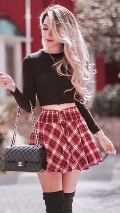 Groovy Classy Winter Outfits, Cute Casual Outfits, Stylish Outfits, Rebel Outfit, Skirt Fashion, Fashion Outfits, Lace Outfit, Plus Size Fashion For Women, Skirt Outfits