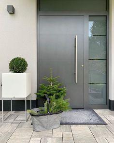 Modern Entrance Door, Main Entrance Door Design, Home Entrance Decor, Modern Front Door, House Entrance, Side Yard Landscaping, Home Building Design, Rustic Doors, House Doors