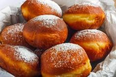 Unravel Malta - Doughnuts: the recipe for a sweet, soft and tasty fried, to be prepared with the children - Recipes A Food, Good Food, Food And Drink, Beignets, No Cook Desserts, Dessert Recipes, Romanian Food, Pretzel Bites, Doughnuts
