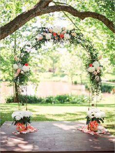 flower-accented-wedding-arch.jpg (600×796)