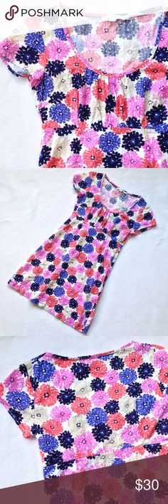 Boden Bright Floral Cotton Scoop Neck Dress Boden dress in a bright floral pattern.  100% cotton, side zip.  Cap sleeve, scoop neck.  In excellent used condition - no stains, holes, or pulls.  Absolutely adorable print!  Flat lay measurements coming soon. Boden Dresses