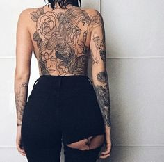Find images and videos about girl, tattoo and tatoo on We Heart It - the app to get lost in what you love. Back Tattoo Women, Tattoos For Women, Tattooed Women, Great Tattoos, Beautiful Tattoos, Life Tattoos, Body Art Tattoos, Tattoo Art, Tatoos