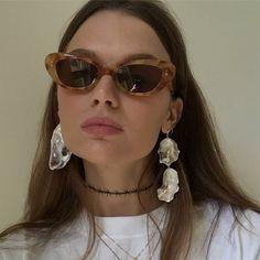 sunglasses https://twitter.com/faefmgaifnae/status/895102947775750144