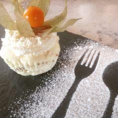 Hjemmelaget krokan-is – Fru Haaland Food And Drink, Pudding, Ice Cream, Baking, Cakes, God, Tips, Recipes, No Churn Ice Cream