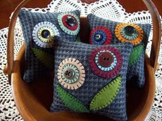 Penny Rug Flowers Bowl Filler Pillow Tucks by rustiquecat on Etsy, $16.00