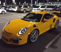 Another brand new PTS Signal Yellow 991 GT3 RS has landed in the US, this time at Walter's Porsche in Riverside, California. Love the richness…