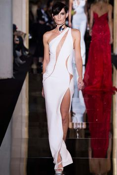 Could this be Kate Hudson's 2015 Oscar dress? She was at the Atelier Versace show - Spring 2015 Couture - Look 43 of 48