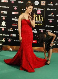Lauren Gottlieb at the green carpet of in Malaysia. Indian Princess, Strapless Dress Formal, Formal Dresses, Green Carpet, Princess Dresses, Bollywood Fashion, Hollywood Actresses, Indian Beauty, Dancers