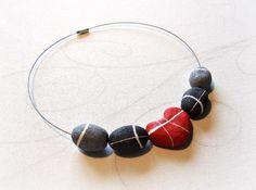 Red heart Pebble Necklace River stone Choker in papier mache by Sognoametista