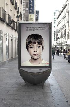 """Campaña """"Solo para niños"""" de #GreySpain para #FundacionAnar - Mupi Adultos"""