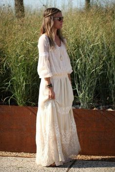 Comment portet la robe hippie chic - wedding and engagement photo Cotton Wedding Dresses, Long Wedding Dresses, Boho Wedding Dress, Boho Dress, Tulle Wedding, Chic Wedding, Hippie Chic Outfits, Hippie Dresses, Boho Outfits
