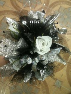 Silk wrist corsage for prom or homecoming, would use a few more white spray roses Homecoming Flowers, Homecoming Corsage, Prom Flowers, Fake Flowers, Pretty Flowers, Wedding Flowers, Flower Corsage, Wrist Corsage, Prom Corsage And Boutonniere