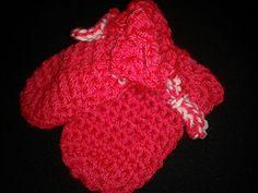 Crocodile Crochet Stitch Baby Mittens
