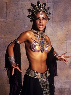 Vampire Aaliyah as Akasha in The Queen of the Damned