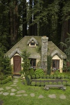 a green cottage. if the windows were round it would remind me of a Hobbit House! Looks like a miniature-made cottage. Style Cottage, Cute Cottage, Cottage In The Woods, Cottage Living, Cottage Homes, Cottage Bedrooms, Yellow Cottage, Cottage Design, Cottage Ideas