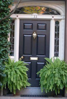 A black front door - Hamptons Garden: Making a Grand Entrance by marlene Front Door Plants, Front Door Porch, Front Door Entrance, Front Door Colors, Glass Front Door, House Entrance, Grand Entrance, Front Door Decor, House Front