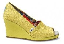 TOMS Women's Wedges are comfortable & stylish wedges. With every pair you purchase, TOMS will give a pair of new shoes to a child in need. Yellow Sandals, Yellow Shoes, Women's Wedges, Sock Shoes, Cute Shoes, Me Too Shoes, Mellow Yellow, Color Yellow, Shoes