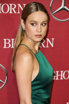 Oscar-Nominee Brie Larson Hair is a Red Carpet Win - Vogue Braided Waves, Braided Ponytail, Ponytail Hairstyles, Brie Larson, Beautiful Celebrities, Beautiful Women, Beautiful People, Blond, Red Carpet Hair