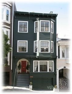 VRBO rental in San Francisco's Nob Hill area. May be staying here for vacation