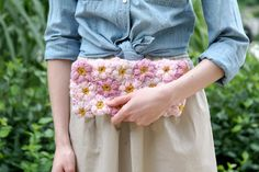 Caught On A Whim: Off the Hook: Crochet Flower Power Clutch