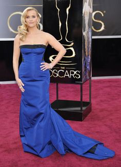 Oscars 2013: Reese Witherspoon looked gorgeous in a blue Louis Vuitton dress.