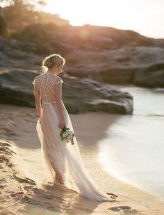 Gwendolynne Bridal gowns   Wedding Sparrow   #fineartcuration   Wedding Sparrow
