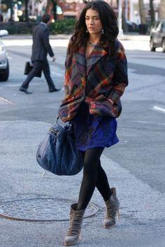 Gossip girl,Jessica Szohr as Vanessa Abrams style Gossip Girl Vanessa, Mode Gossip Girl, Gossip Girl Outfits, Gossip Girl Fashion, Fashion Tv, Winter Fashion, Gossip Girls, Vanessa Abrams, Jessica Szohr