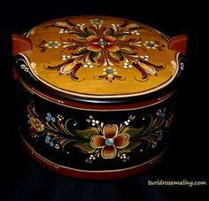 Rosemaling by Turid Helle Fatland, Norway.