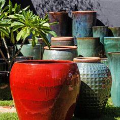 Vaso Vietnamita: +68 Modelos Grandes e Lindos Para Usar na Decoração Garden Makeover, Ceramic Planters, Potted Plants, Plant Pots, Moscow Mule Mugs, Ceramics, Tableware, Diy, Home Decor
