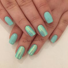 Natural nails with gelish green and magpie glitter Belle Clear Nail Tips, Clear Nails, Gelish Nail Colours, Shellac Manicure, Manicures, Neon Acrylic Nails, Nail Tip Designs, Fun Nails, Nice Nails