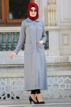 2018/2019 Yeni Sezon Kap-Kaban Koleksiyonu - Neva Style - Bebe Yaka Gri Tesettür Kaşe Kap 21671GR #tesetturisland #tesettur #tesetturelbise #tesetturgiyim #tesetturbutik #kombin #moda #trend #hijab #hijabfashion #kısakap #uzunkap #sporkap #fashion #style #2018 #2019 #genç #sokaktarzı #sokakmodası #dışgiyim