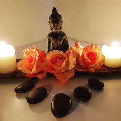 Schließen Sie die Augen, atmen Sie tief durch und genießen Sie die entspannte Zeit bei einer Massage.  #massage #ruhe #ruhig #atmosphare #relax #relaxtime #buddha #steinmassage  #Kerzen #schweiz Buddha, Relax, Table Lamp, Chakra, Wellness, Home Decor, Self, Soft Light, Switzerland