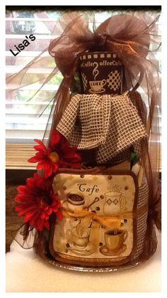 Kitchen towel cake I made for Mother's Day Diy Gift Baskets, Raffle Baskets, Bridal Shower Cakes, Wedding Shower Gifts, Christmas Baskets, Christmas Crafts, Kitchen Towel Cakes, Towel Crafts, Gift Cake