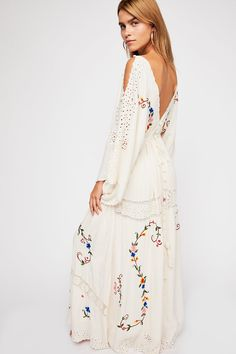 Free People Sixpence Kimono - S Free People Store, Celebrity Beauty, Small Waist, Kimono Fashion, Floral Embroidery, Style Guides, New Dress, Kimono Top, Kimono Style