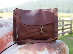 In a crunch for a Mother's Day gift with all the perks and more? Get the mobility and organization of the classic messenger bag, upgraded by crafting it in Lifetime Leather, only from Duluth Trading Company.