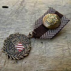Military Brown Grey Ribbon Bronze Medal Badge Custom Jewelry with safety pin for clothing decoration
